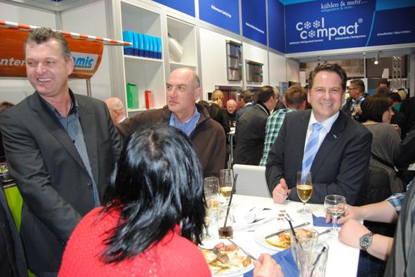 Unitess DSC 0925 in Messeabend mit dem Fachhandel während der Internorga